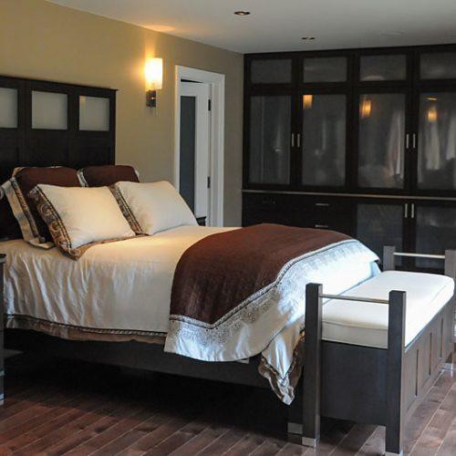 Dark, modern bedroom-resized